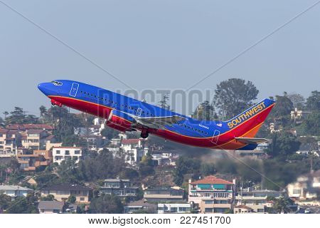 San Diego, California, Usa - April 28, 2013. Southwest Airlines Boeing 737-3g7 N691wn Departing San