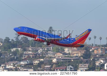 San Diego, California, Usa - April 30, 2013. Southwest Airlines Boeing 737-7h4 N458wn Departing San