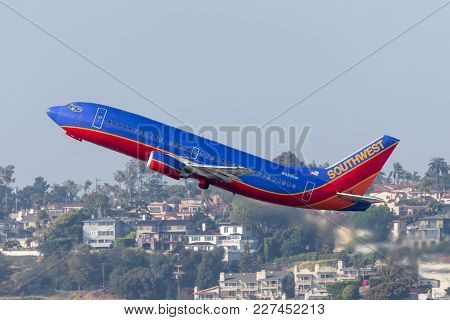 San Diego, California, Usa - April 28, 2013. Southwest Airlines Boeing 737-3h4 N323sw Departing San