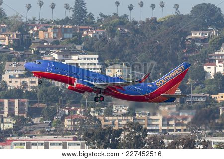 San Diego, California, Usa - April 30, 2013. Southwest Airlines Boeing 737-7h4 N908wn Departing San