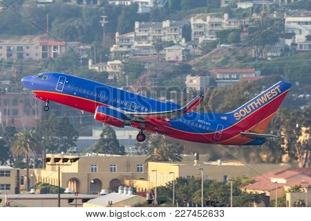 San Diego, California, Usa - April 30, 2013. Southwest Airlines Boeing 737-7h4 N920wn Departing San