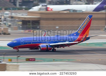 San Diego, California, Usa - April 30, 2013. Southwest Airlines Boeing 737-7h4 N247wn Arriving At Sa