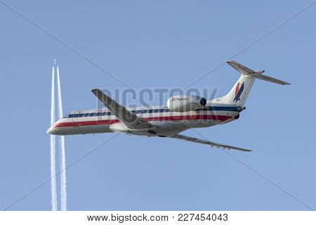 Los Angeles, California, Usa - March 10, 2010: American Eagle Airlines (american Airlines) Embraer E