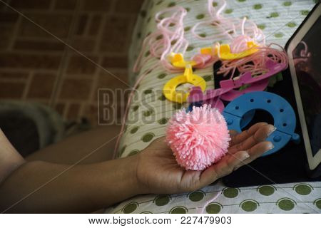 Women Made And Learning Handmade Decorations  Pompom Or Pompon From Online Vdo