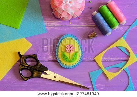 Cute Handmade Felt Easter Egg, Colored Thread Set, Scissors, Thimble, Pin Cushion, Felt Scrap And Sh