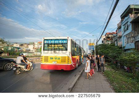 Hanoi, Vietnam - Aug 11, 2017: The Bus Stopping At Bus Station On Nguyen Khoai Street