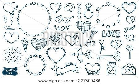 Love doodles set. Hearts sketches. Valentines day. Romantic collection. Hand drawn effect vector. We