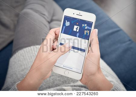 Woman Start To Use Facebook