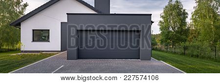 Beautiful House With Garage