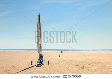 Saint Jean De Monts, France - September 23, 2017 : Trainer Pushes A Sand Yachting Student Who Can No