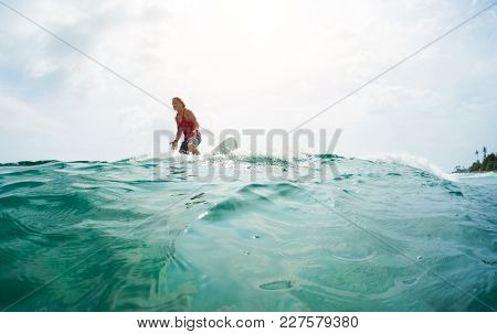 Surfer resents he missed the wave in ocean