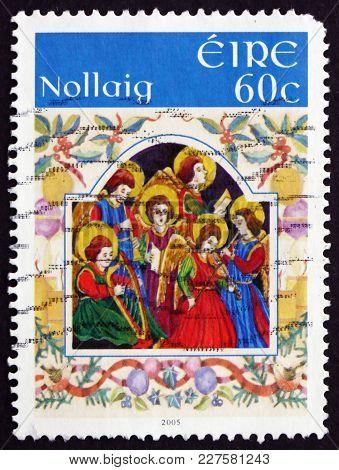 Ireland - Circa 2005: A Stamp Printed In Ireland Shows Choir Of Angels, Christmas, Circa 2005