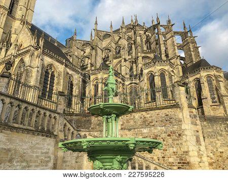 Roman And Gothic Cathedral Of Saint Julien At Le Mans Sarthe, Pays De La Loire