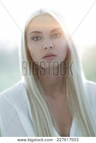 Portrait of a beautiful woman with fresh daily make-up.