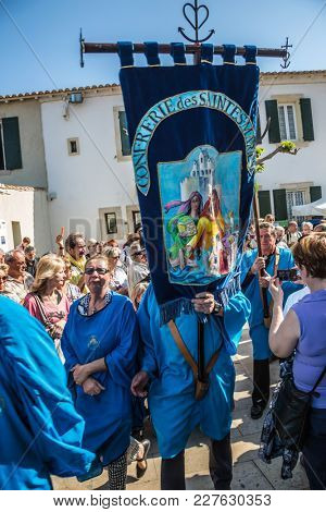 Saint-Marie-de-la-Mer, Provence, France - May 25, 2015. Religious procession in honor of the feast of St. Sara begins. World Festival of Gypsies. The concept of ethnographic tourism