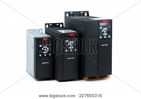 A Group Of Three Different Sizes And Capacities New Universal Inverter For Controlling The Electric