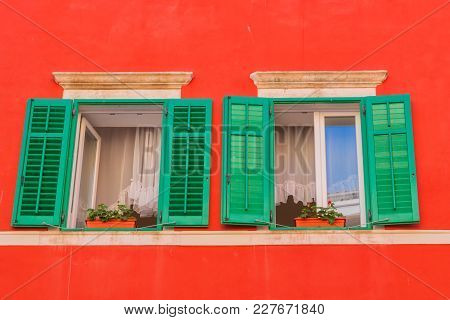 House Details, Narrow Streets Of Rovinj Town