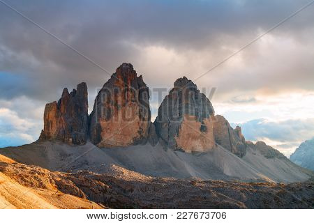Tre Cime Di Lavaredo In Beautiful Surroundings At Autumn In The Dolomites In Italy, Europe (drei Zin