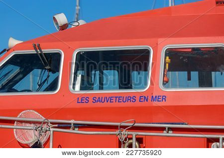 La Rochelle, France - August 22, 2016:boat Rescuers At Sea (