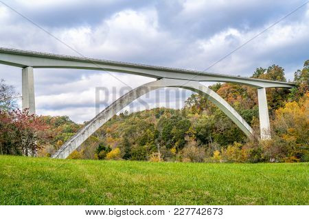 Double Arch Bridge at Natchez Trace Parkway near Franklin, TN, fall scenery