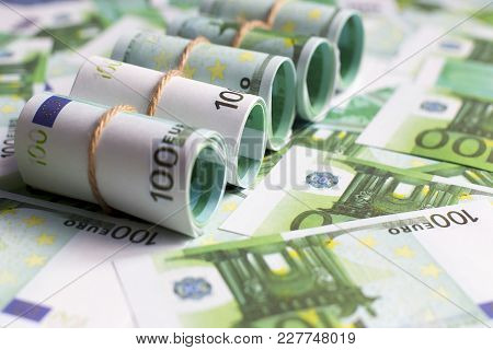 The Background Of Euro Currency, Euro Rolls