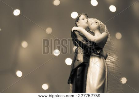 Figure Of Happy Newlyweds. It Does Not Have A Specific Author, It Does Not Need Model Release