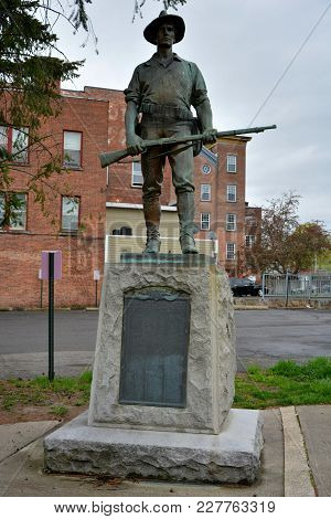 Cohoes, New York, Usa - April 25, 2017. Monument In Cohoes, Ny, To The Men Of Cohoes, Who Served The