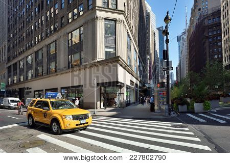 New York City, Usa - Aug. 24: Yellow Taxis On Street In Manhattan On August 24, 2017 In New York Cit