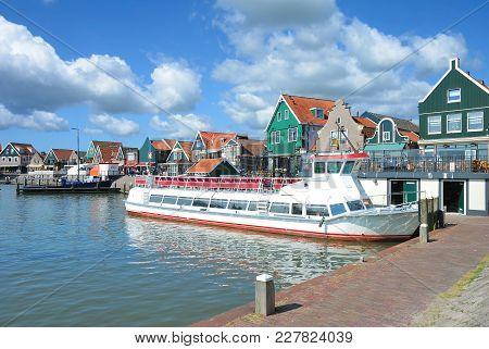 Promenade And Tourist Boat In Harbor Of Edam-volendam At Ijsselmeer,netherlands