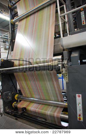 Impianto stampa: Web (rotoli) rotativa offset