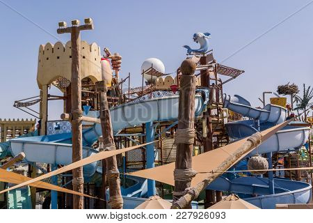 Yas Island/uae Nov 14 2017: Yas Waterworld At Yas Island, Abu Dhabi
