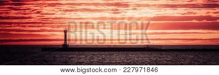 Sunrise At The South Pier In Manitowoc, Wisconsin (december 2017)