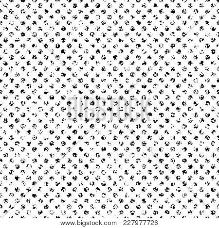 Retro Looking Dot Halftone Seamless Vector Texture. Seamlessly Repeated Pattern For Shading And Text