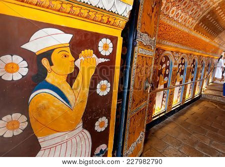 Kandy, Sri Lanka - Jan 6, 2018: Paintings And Old Fresco Inside The 16th Century Temple Of Sacred To