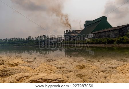 Factory Industry A Pollution Change The Ground Arid Treat Environment