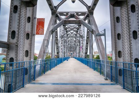 Little Rock, Ar - October 11, 2017: The Junction Bridge Is A Historic Revitalized Pedestrian Bridge