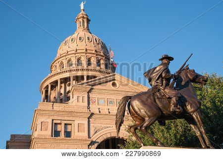 Austin, Tx - October 28, 2017: Dome Of The Texas Capitol Building In Austin, Texas With Texas Ranger