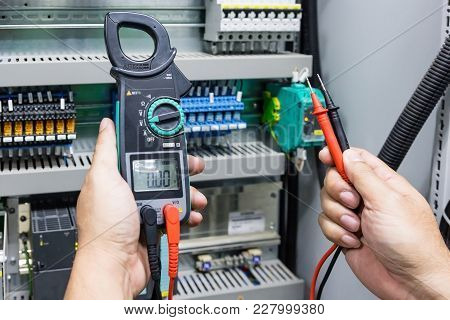 Digital Clamp Meter Electric Tester Multimeter With Plobes For Check Power Supply On Control Board