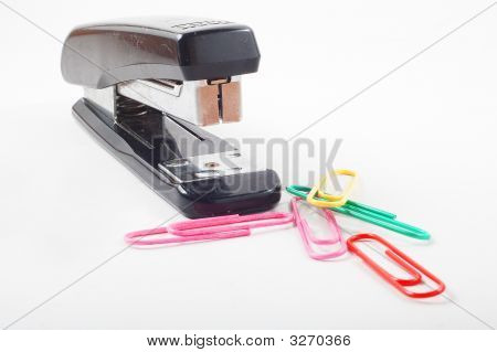 Stapler With Paper Clip