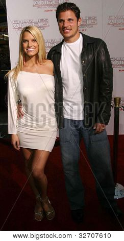 LOS ANGELES - JUN 18: Jessica Simpson, Nick Lachey at the premiere of 'Charlie's Angels: Full Throttle' on June 18, 2003 in Los Angeles, California