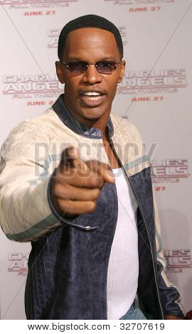 LOS ANGELES - JUN 18: Jamie Foxx at the premiere of 'Charlie's Angels: Full Throttle' on June 18, 2003 in Los Angeles, California