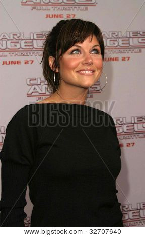LOS ANGELES - JUN 18: Tiffani Thiessen at the premiere of 'Charlie's Angels: Full Throttle' on June 18, 2003 in Los Angeles, California
