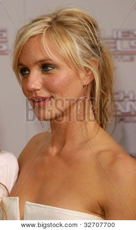 LOS ANGELES - JUN 18: Cameron Diaz at the premiere of 'Charlie's Angels: Full Throttle' on June 18, 2003 in Los Angeles, California