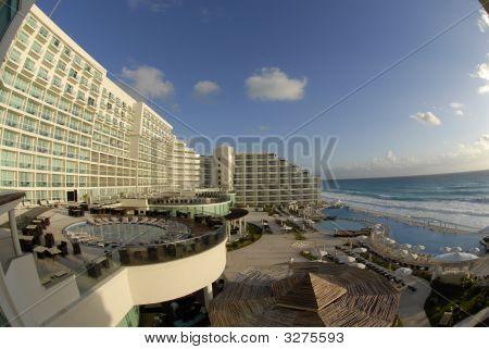 _Bob5997Beach Pool Hotel Resort