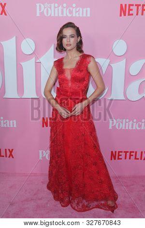 NEW YORK-SEPT 26: Zoey Deutch attends Netflix's
