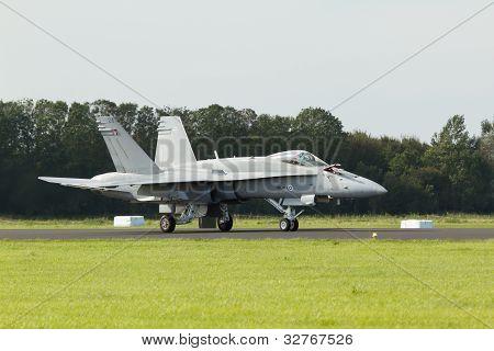 Finish F-18