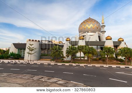 Sabah State Mosque Or Masjid Negeri Sabah Is The State Mosque Of Sabah, Located At Sembulan Roundabo