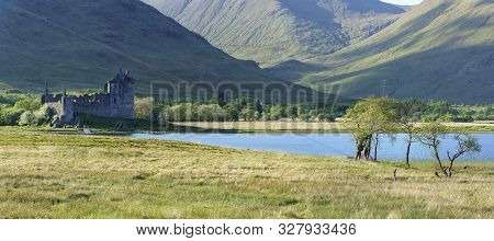Panoramic Image Of Kilchurn Castle , In The Care Of Historic Environment Scotland , Is A Ruined Stru