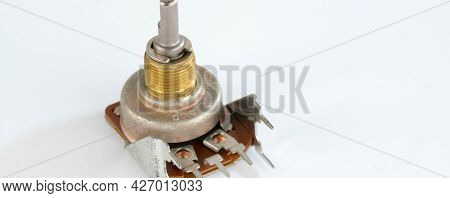 different radio electronic components different electronic components