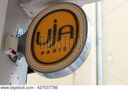 Toulouse , Occitanie France  - 06 25 2021 : Uja Paris Brand Un Jour Ailleurs Logo And Text Sign Of C